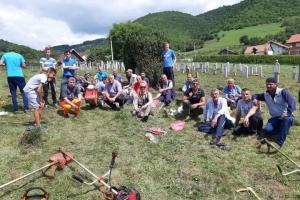 U MZ Grnica počela dobrovoljna akcija ua uređenje greblja