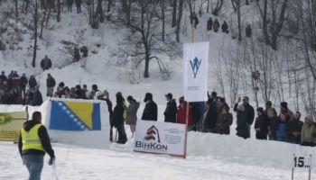 Zaboravite Garmiš-Partenkirhen: Pogledajte ski skokove u selu Vikići