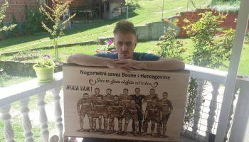 Pirograf Edin Begović je jedan od najboljih u crtanju na drvetu u BiH